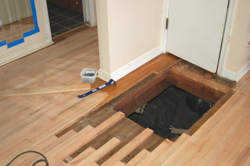 How to fix holes in hardwood floors carpet vidalondon for Replacing hardwood floors