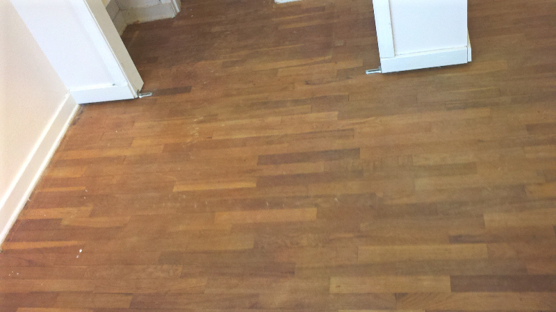Refinished Waxed red oak hardwood floors-before